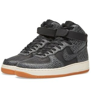 premium selection 0d743 fe094 Nike Shoes - Nike Air Force 1 High Prem 654440-009